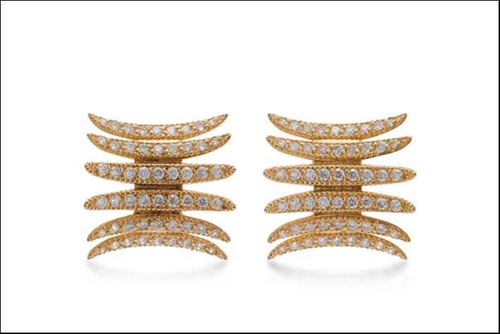Orecchini ino oro e diamanti. Prezzo: 4900 dollari