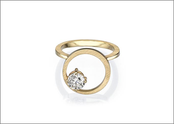 Anello in oro giallo e diamante