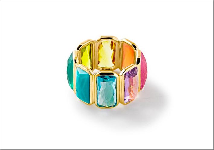 Anello in oro con topazio blu, quarzo, rubino, ametista, citrino, corniola, peridoto. Prezzo: 3495 dollari