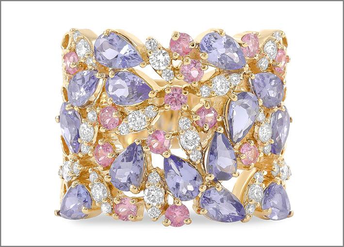 Anello Kalei, in oro giallo, diamanti, tanzanite, zaffiro rosa. Prezzo: 5200 dollari