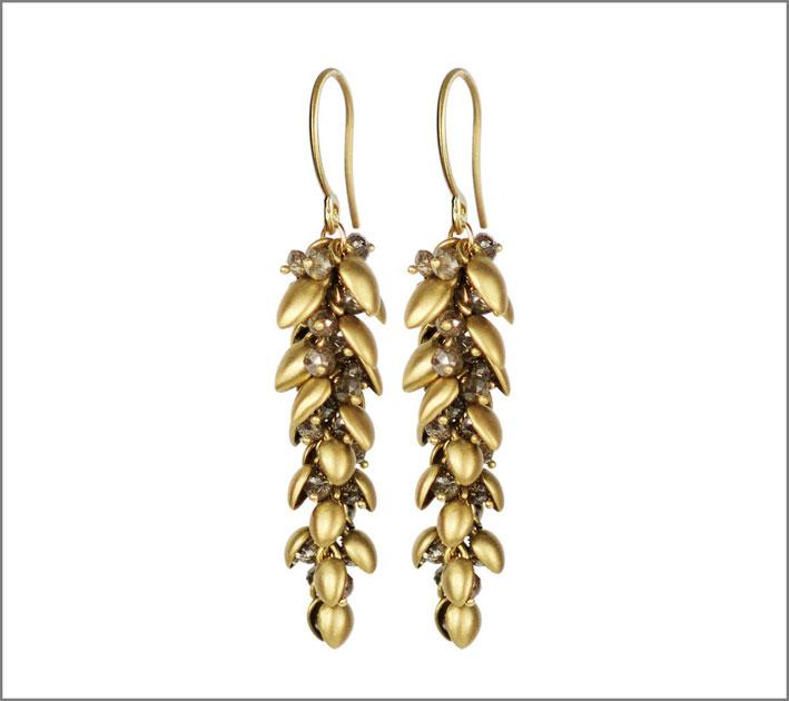 Orecchini pendente in oro e diamanti brown