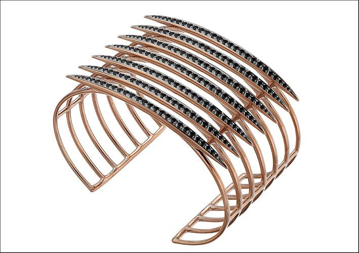 Bracciale in oro rosa vermeil e spinello nero. Prezzo: 1250 sterline