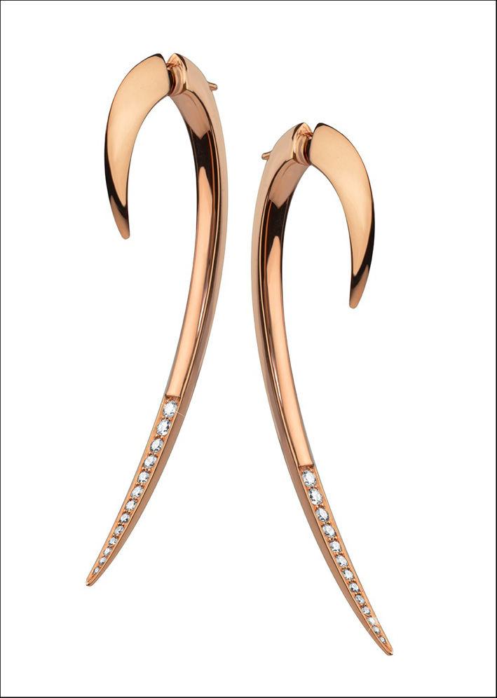 Orecchini in oro rosa vermeil e diamanti. Prezzo 1250 sterline