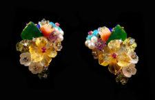 Orecchini con diamanti, rubini, zaffiri, smeraldi, corallo rosa,  perle coltivate, pietre semi preziose intagliate a mano