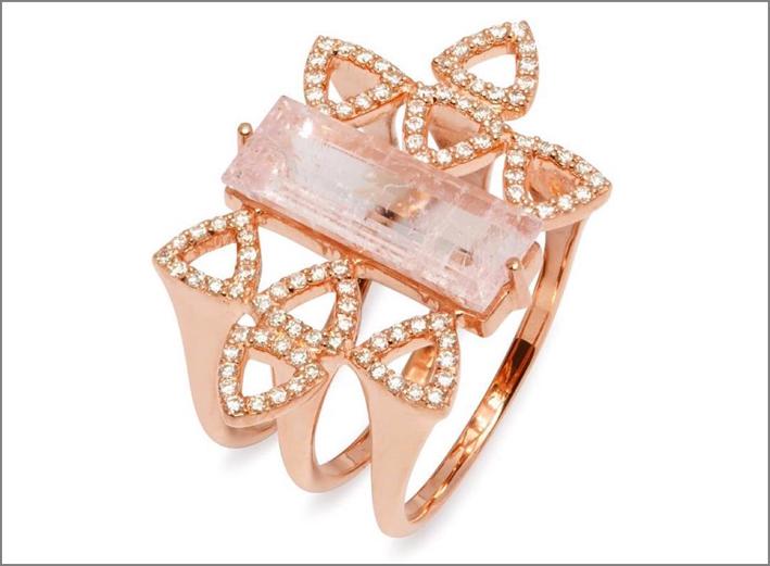Anello in oro rosa, diamanti e morganite