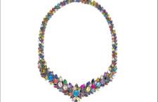 Mandala: collana placcata oro rosa e zirconi colorati. Prezzo: 676 euro