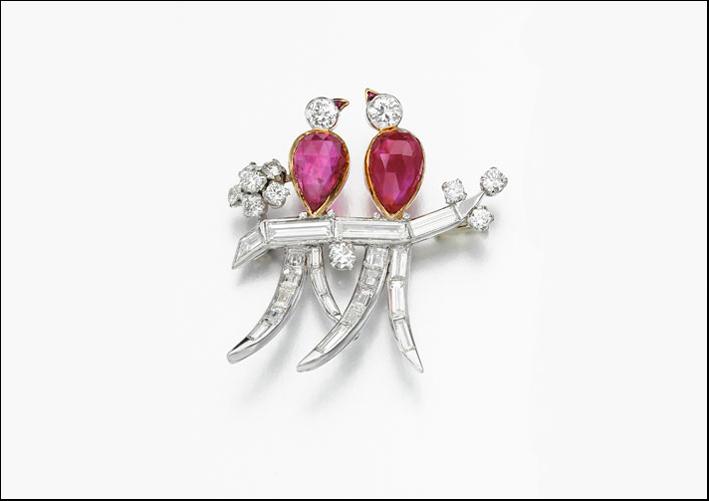 Spilla di diamanti e rubini, circa 1960. Stima 6-10.000 sterline