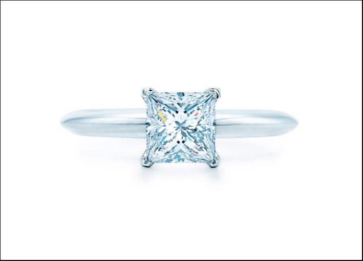 Anello Tiffany con diamante taglio princess. A partire da 10.800 euro