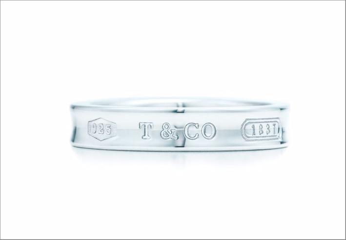 Anello Tiffany 1837, argento. Prezzo: 190 euro