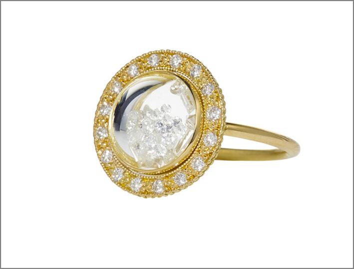 Anello Dome Shaker in oro giallo e diamanti