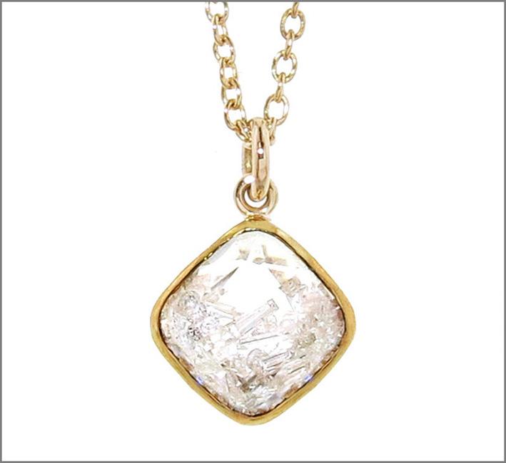Collana con ciondolo e diamanti mobili