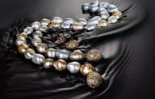 Collana con perle, diamanti e oro