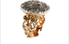Anello con diamanti brown