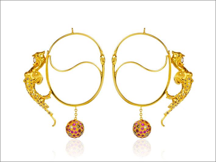 orecchini in oro, argento, diamanti, rubino