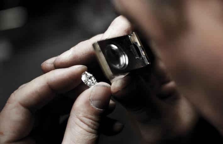 Anversa: valutazione di un diamante