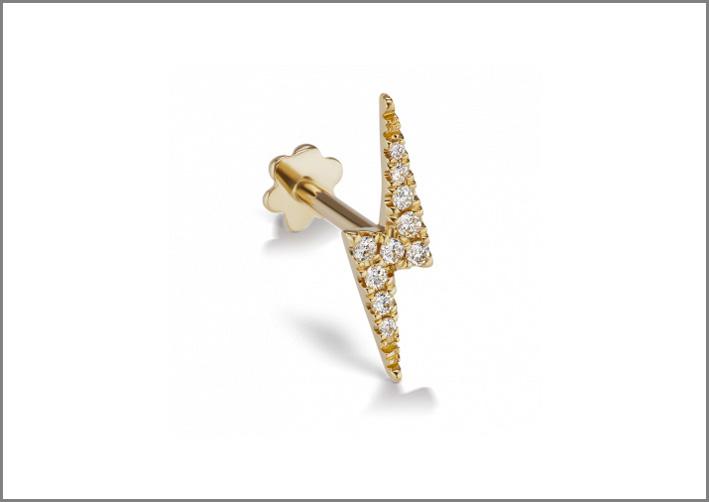 Piercing da orecchio con diamanti bianchi