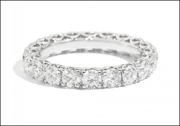 Recarlo Anniversary. Anello in oro bianco e diamanti. Prezzo: 7282 euro