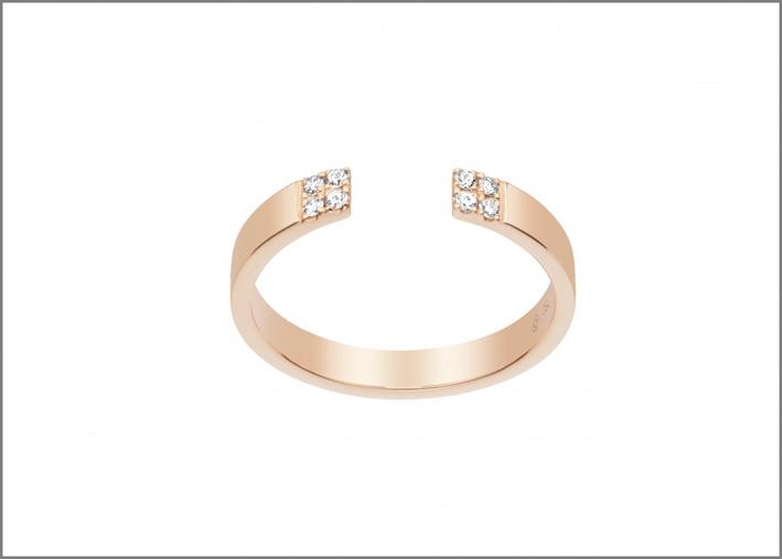 Anello aperto in oro rosa e diamanti della collezione Chic