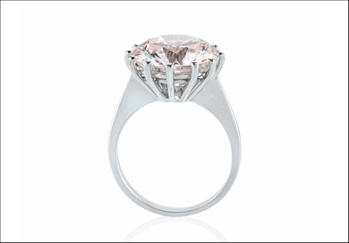 Anello con diamante very light pink. Stima: 180000 euro