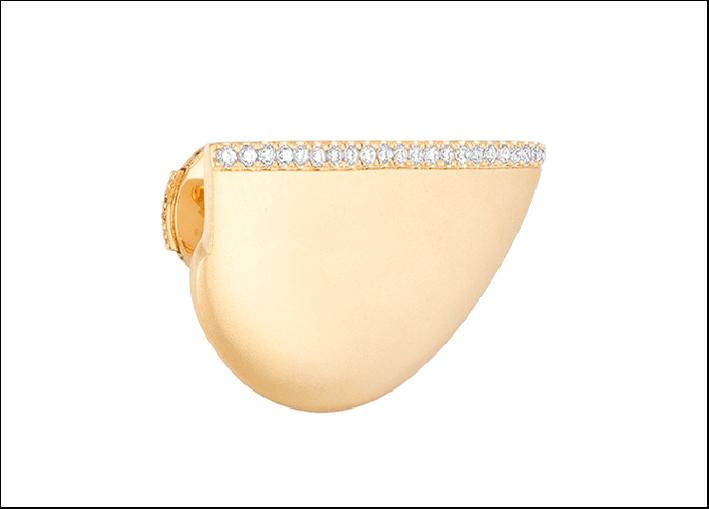 Orecchino in oro giallo e diamanti Babylone. Prezzo (uno): 1750 euro