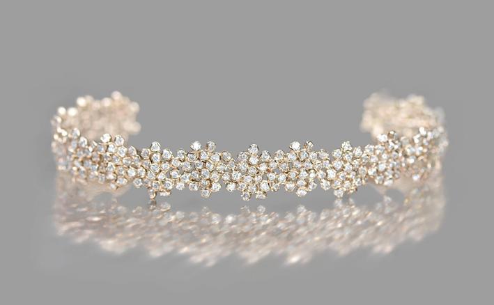 Bracciale in oro con cluster di diamanti