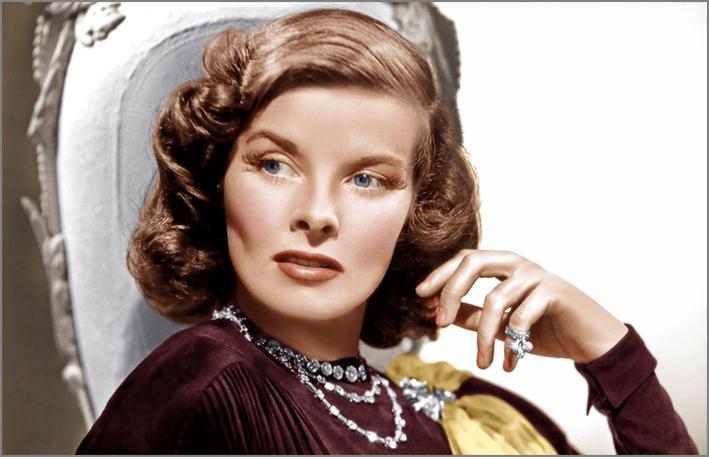 Katharine Hepburn con una collana di Paul Flato