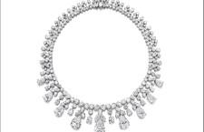 Collana di diamanti firmata Harry Winston. Stima: 5,4-6,1 milioni di dollari