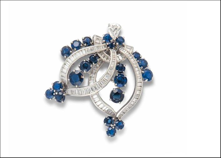 Spilla in zaffiri e diamanti di Tiffany. Stima 8.000 dollari