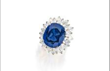 Anello con zaffiro e diamanti di Bulgari. Venduto per 706.000 dollari