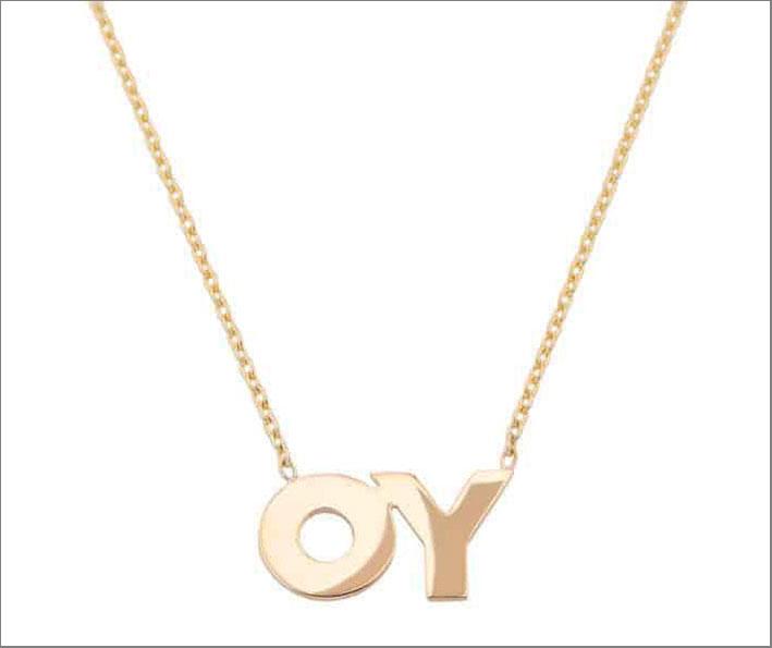 Collana con pendente OY per Deborah Kass