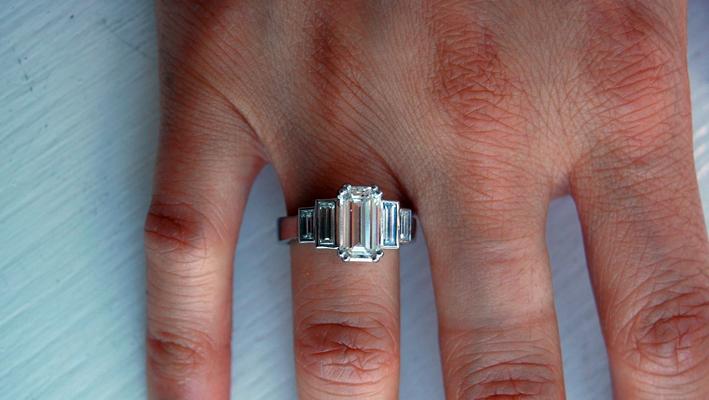 Anello di fidanzamento regalato da Brad Pitt ad Angelina Jolie