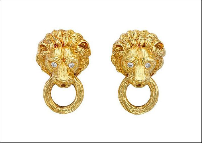 Orecchini in oro di Van Cleef & Arpels con testa di leone. Venduti per 21.250 dollari