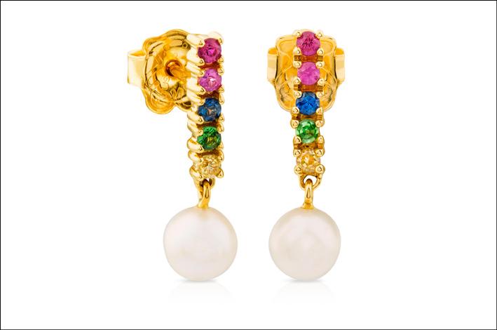 Orecchini in oro con pietre preziose e perle