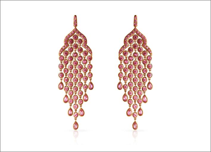 Hrh, orecchini chandelier in oro rosa 18k e zaffiri