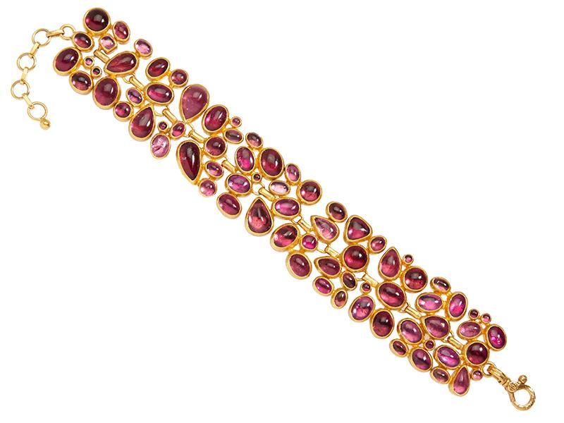 Bracciale Pointelle Hue in oro 24 carati con tormalina rosa mista taglio cabochon
