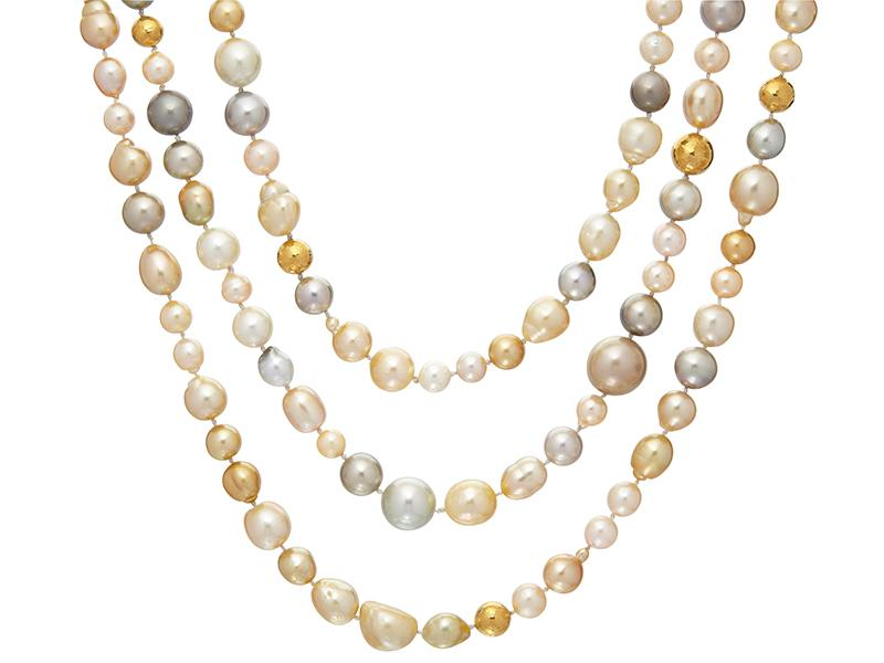 Collana Oyster Hue in oro 24 carati con perle d'acqua dolce e palline d'oro