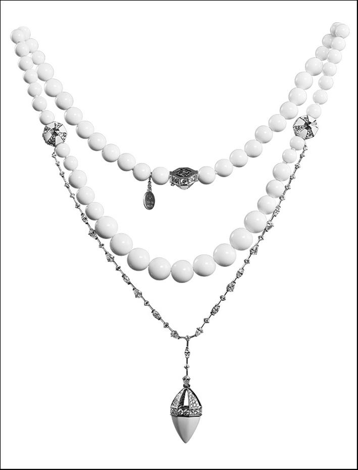 Collier della collezione Clara in oro bianco, agata, diamanti, ceramica