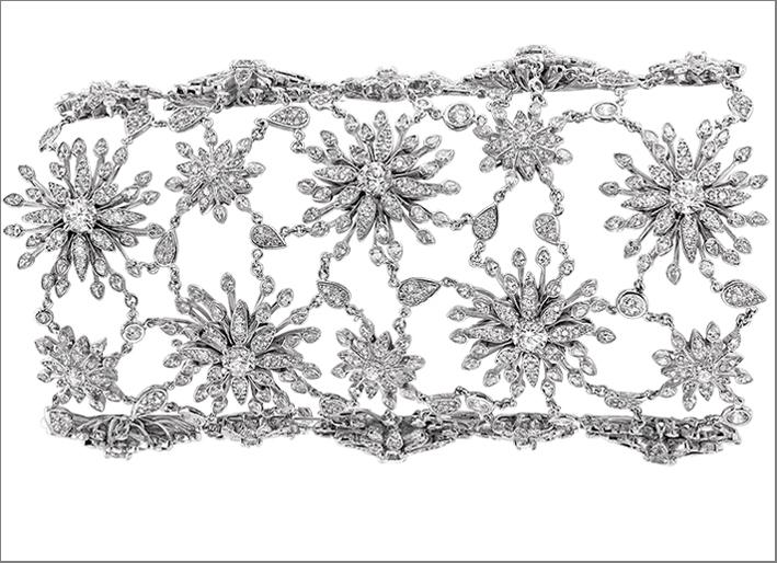 Bracciale in argento rodiato con burmalite bianca