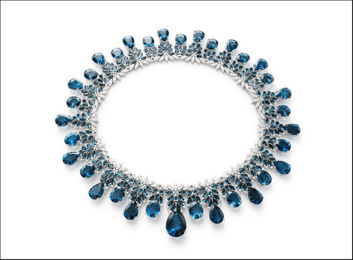 La collana della collezione Ghirlanda Nefertiti