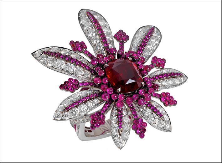 Anello con diamanti e rubini