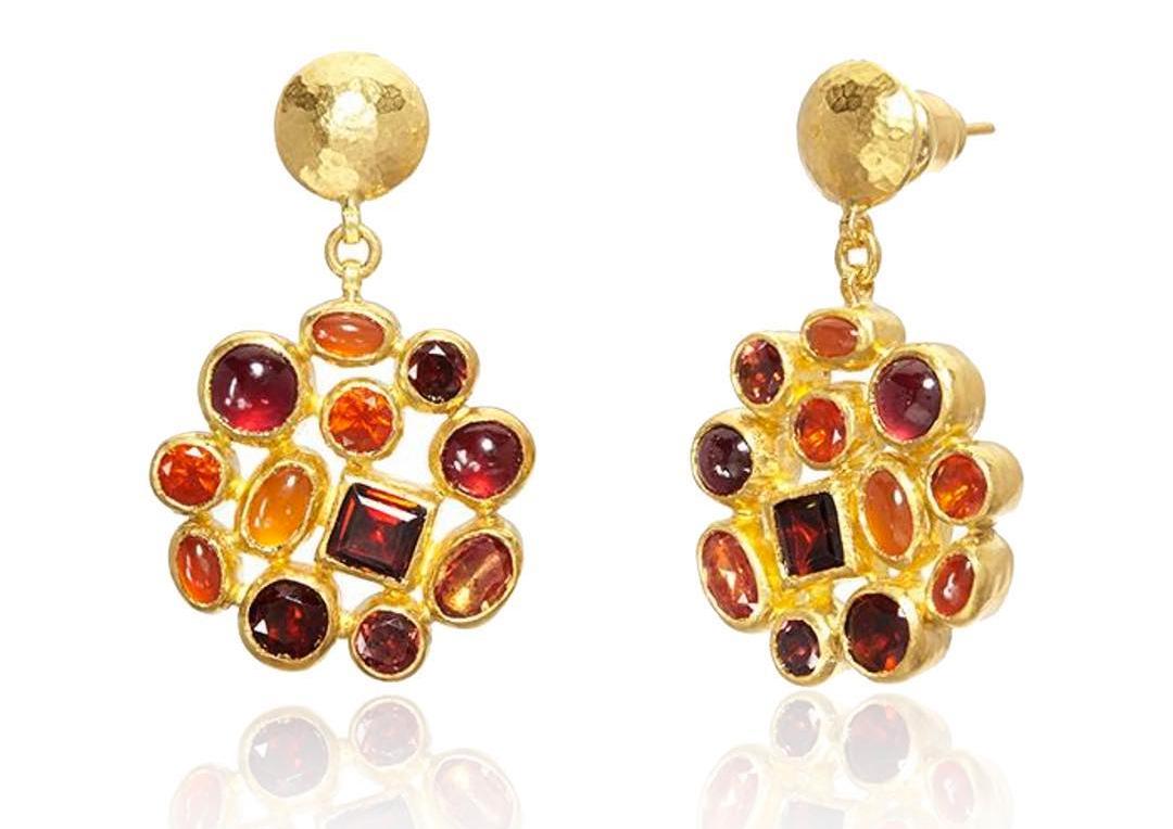 Orecchini in oro con opale messicano e corniola