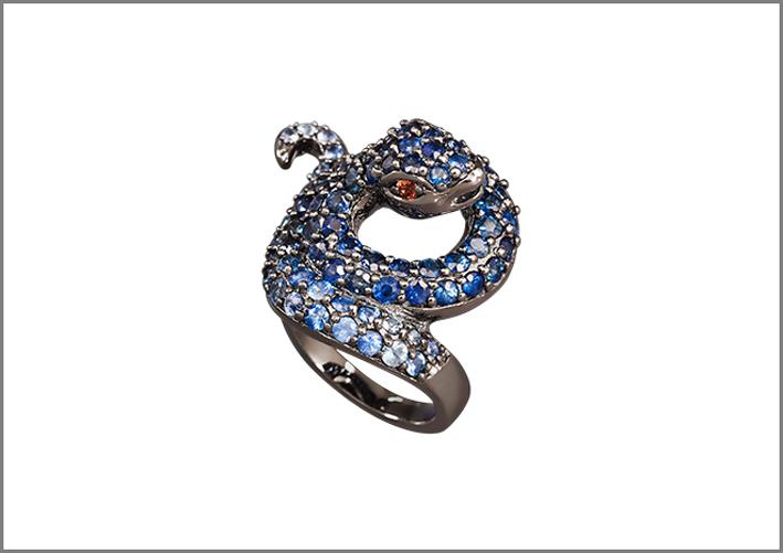 Anello a forma di serpente con zaffiri e rubini