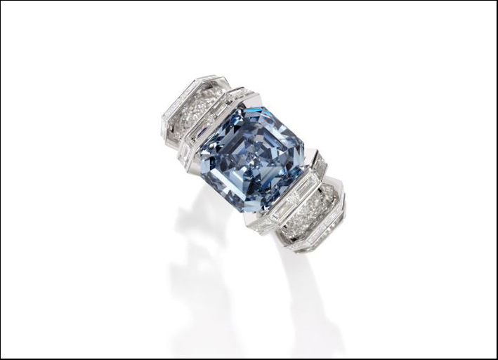 The Sky Blue Diamond, 8.01 carati