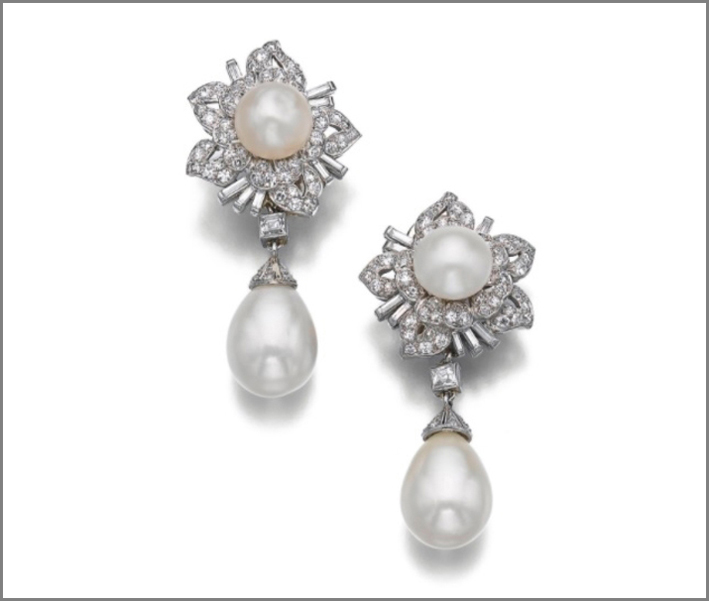 Orecchini con perle naturali