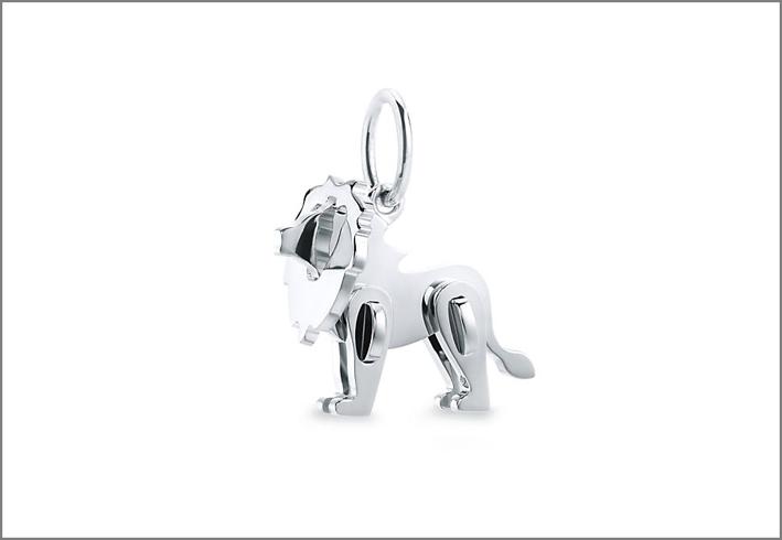 Ciondolo Lion in argento: collezione Tiffany Save the Wild, il cui ricavato sarà interamente donato al Wildlife Conservation Network