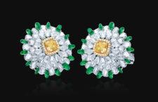 Entice, orecchini con diamanti bianchi e gialli, smeraldi
