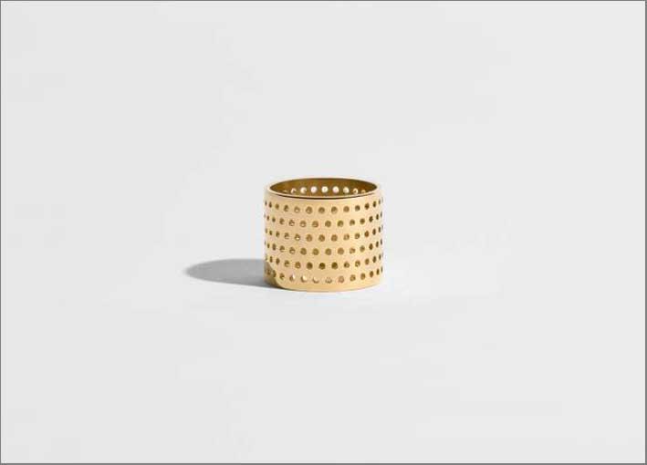 Anello in oro etico certificato. Prezzo: 1800 euro