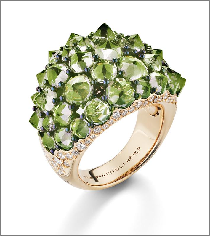 Mattioli, anello in oro rosa, diamanti e peridoto