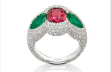 Anello The Rose of the desert, smeraldi e rubini di Gemfields, diamanti