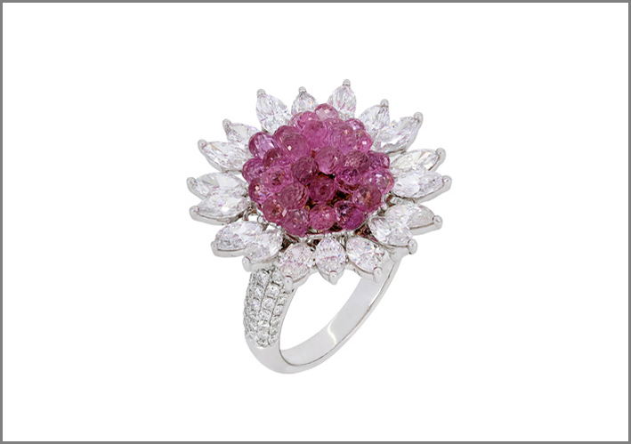 Nigaam, Stella collection, anello con diamanti e zaffiri rosa